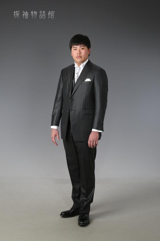 東京近郊にある振袖物語館新東京店で成人男性レンタルプランの前撮りをされたご成人様