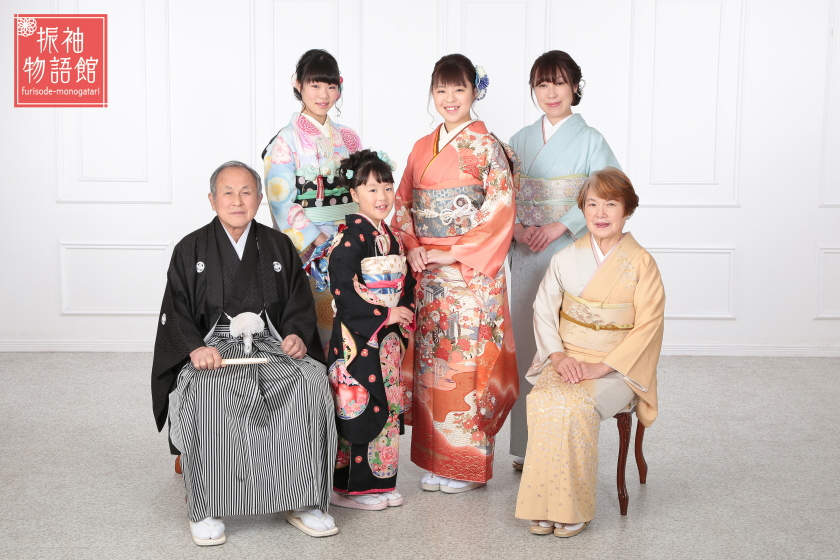 東京近郊にある振袖物語館新東京店で成人振袖フォトプランの撮影をされたご成人様