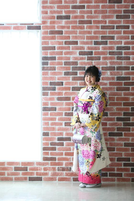 振袖物語館松戸店の成人振袖レンタルプランの撮影です。